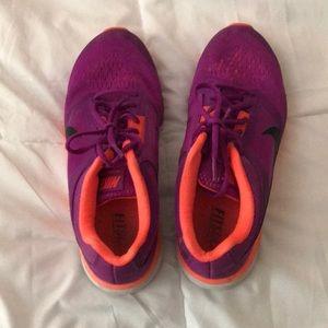 Nike sneakers tennis shoes
